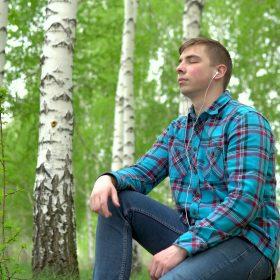 Learning Finnish by feeling the rhythm